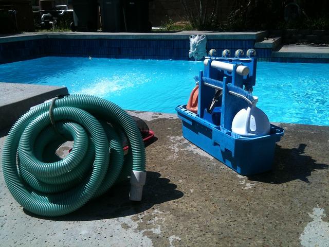 čištění bazénu.jpg